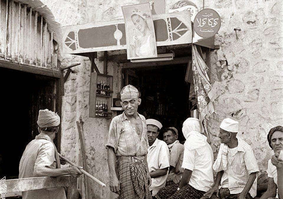 المقهى في اليمن.. من النبذ إلى عنوان التمدن الصريح