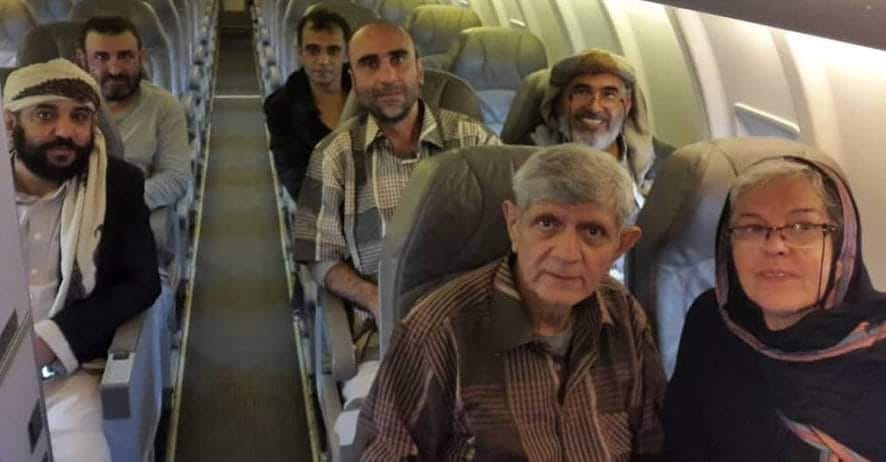 بعد أن نفتهم قسراً خارج البلد.. جماعة الحوثي تواصل محاكمة البهائيين الستة كفارين من وجه العدالة