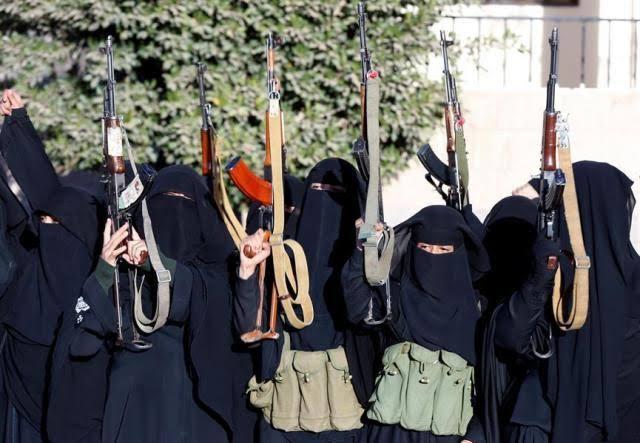 تقرير أممي: جماعة الحوثي جندت 30 فتاة مراهقة لغرض التجسس