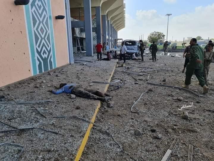 الصحة اليمنية: (22) قتيلا وأكثر من (50) جريحا جراء تفجير مطار عدن