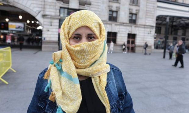 الغارديان: امرأة يمنية تقوم برحلة مرعبة مدتها 8 أشهر للوصول إلى بريطانيا