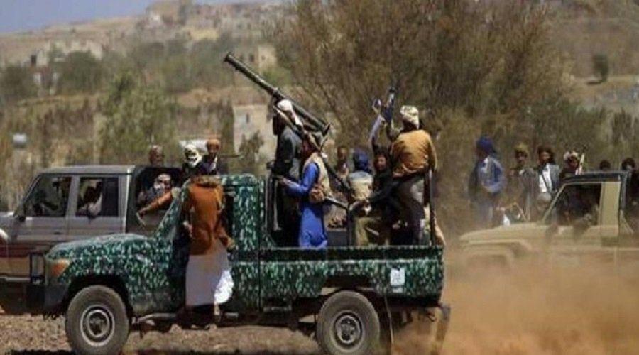 جماعة الحوثي تعدم مواطناً دهساً وتعتقل 11 مدنياً بينهم 3 نساء في حملة مداهمة واسعة على حيمة تعز