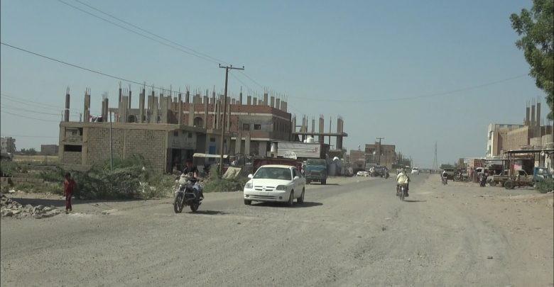 الحديدة.. إصابة طفل وسط منزله في حيس بنيران جماعة الحوثي