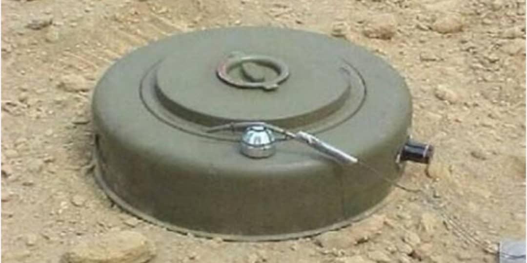 الضالع.. مقتل مدني وإصابة شقيقه في انفجار لغم زرعته جماعة الحوثي في دمت