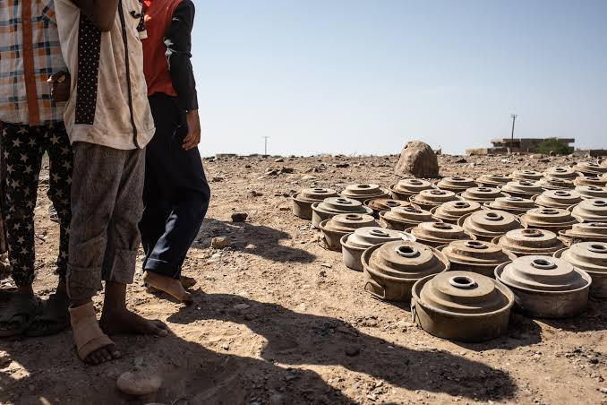 الأمم المتحدة: 348 يمنياً لقوا حتفهم بالألغام والذخائر المتناثرة العام الماضي