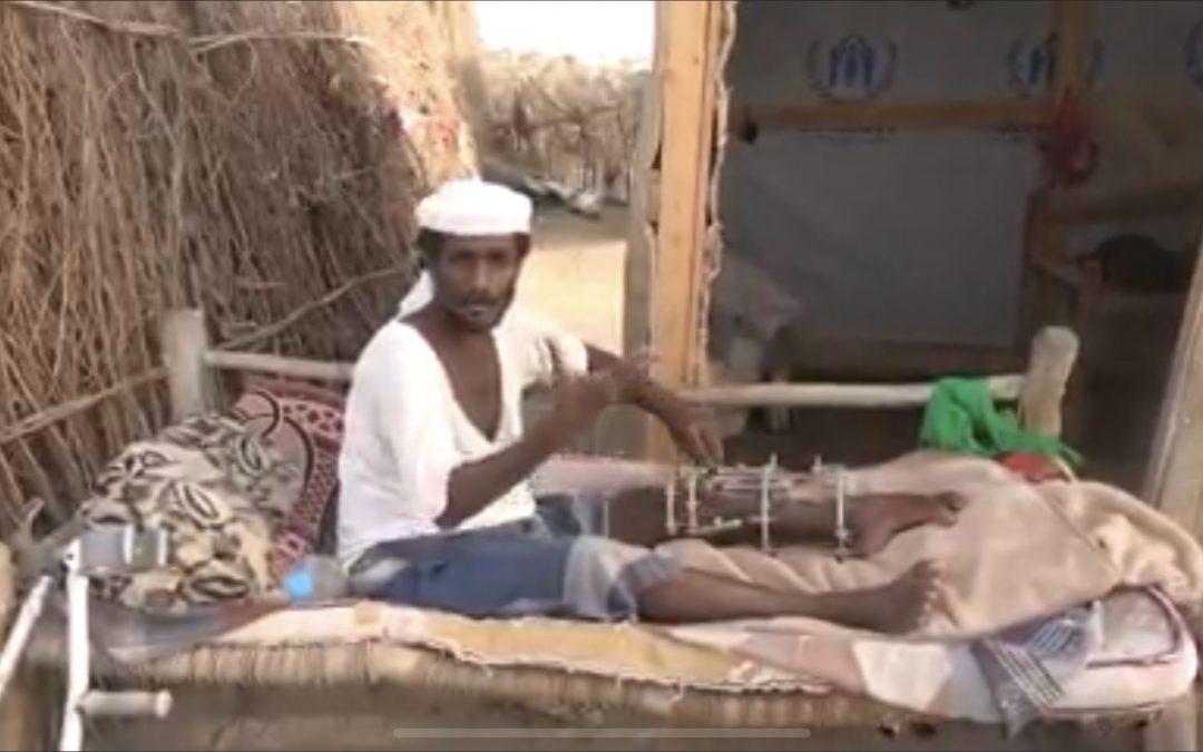 أب معاق وأسرة نازحة.. نتيجة انتهاكات جماعة الحوثي المستمرة بالحديدة